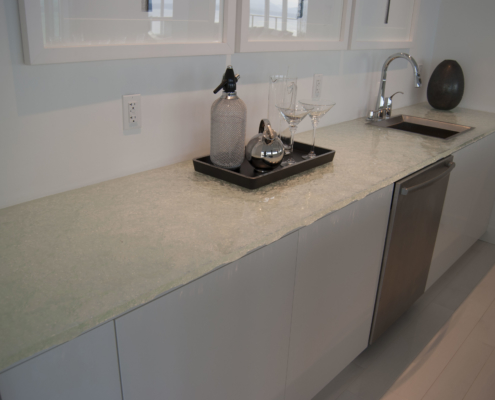 "1"" thick Escala Glass Wet Bar - CT-024"