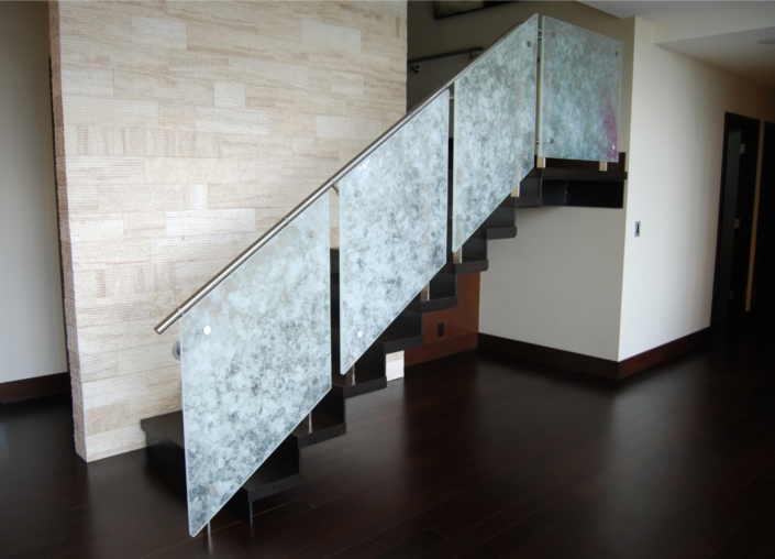 Arctic Wisp Safety Glass Stair Balustrade - WP-050